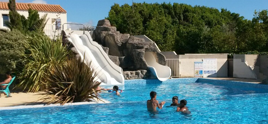 Plongez dans l'espace aquatique du camping à Oléron