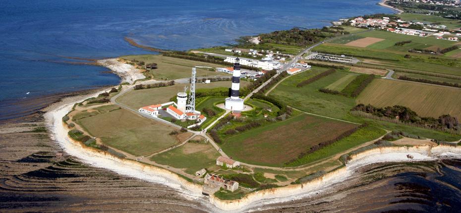 Sur l'île d'Oléron, le phare de chassiron