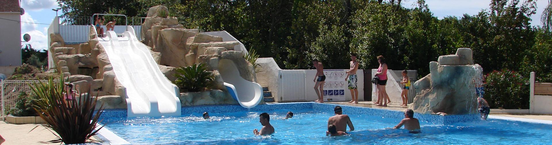 slide-loisirs-et-espace-aquatique-camping-phare-ouest-saint-denis-d-oleron